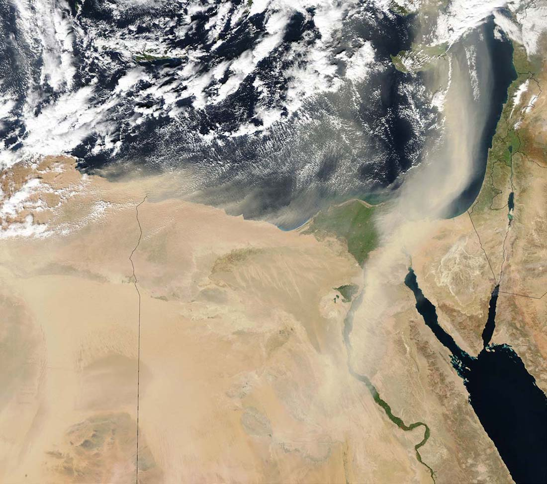 A large plume of Saharan Desert dust blew over Libya and Egypt in 2003