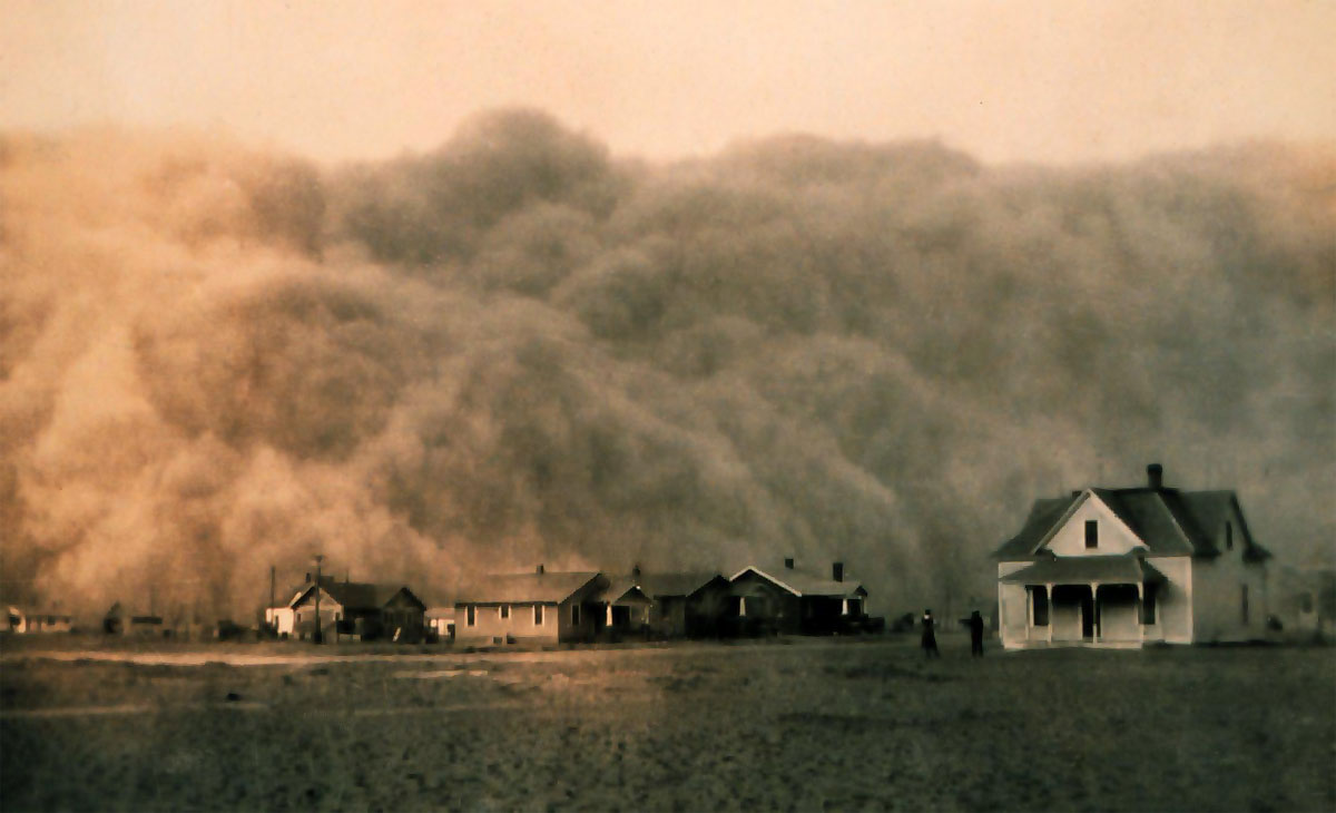 A Dust Bowl storm approaching Stratford, Texas in 1935