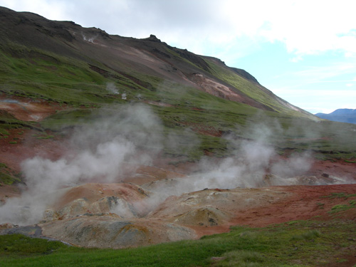 Geothermal energy uses the heat from the Earth